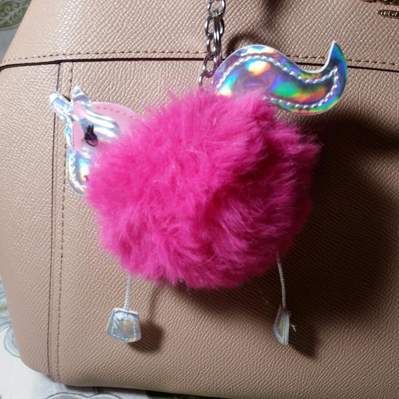 a4e8e60b0af5 Faux fur unicorn key chain